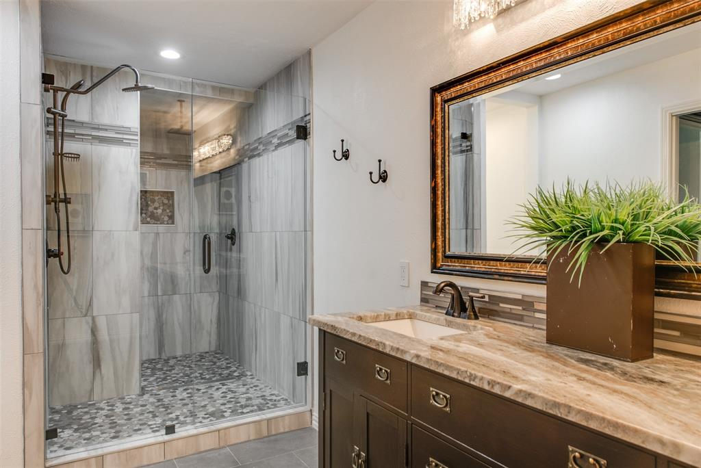 6339 Crestmont  Drive, Dallas, Texas 75214 - acquisto real estate best style realtor kim miller best real estate reviews dfw