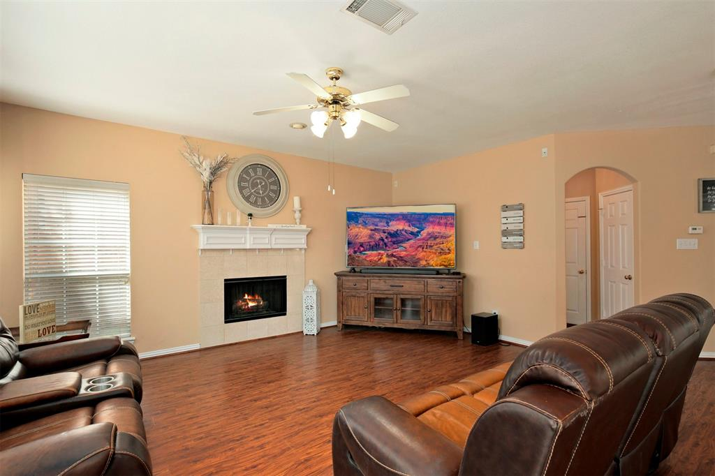 1226 Nocona  Drive, Irving, Texas 75063 - acquisto real estate best photos for luxury listings amy gasperini quick sale real estate