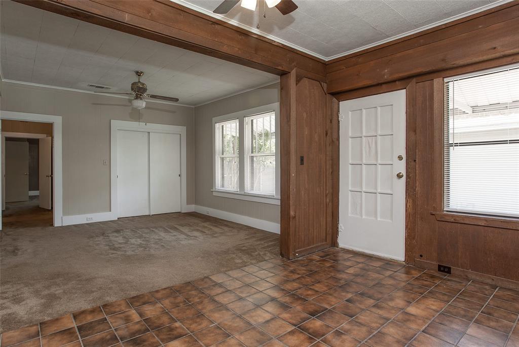 1012 Orange  Street, Fort Worth, Texas 76110 - acquisto real estate best listing photos hannah ewing mckinney real estate expert