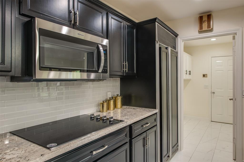 6339 Crestmont  Drive, Dallas, Texas 75214 - acquisto real estate best prosper realtor susan cancemi windfarms realtor