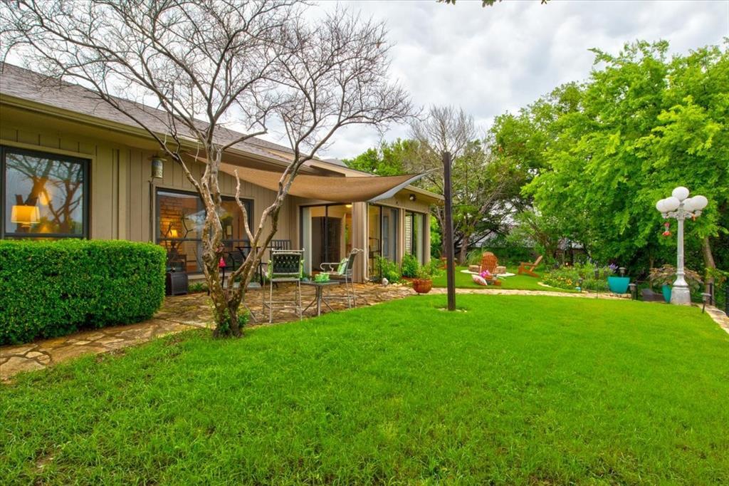 4315 Fairway  Drive, Granbury, Texas 76049 - acquisto real estate best negotiating realtor linda miller declutter realtor
