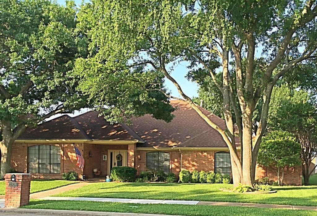 1916 Gardengrove  Court, Plano, Texas 75075 - Acquisto Real Estate best plano realtor mike Shepherd home owners association expert