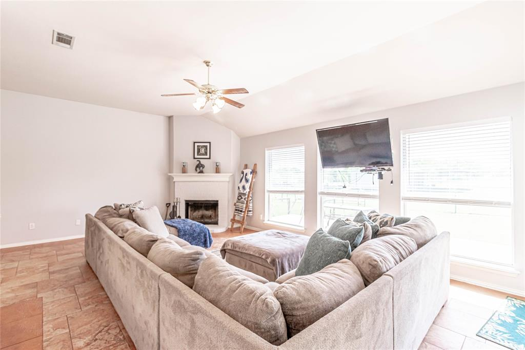 13632 Bates Aston  Road, Haslet, Texas 76052 - acquisto real estate best real estate company to work for