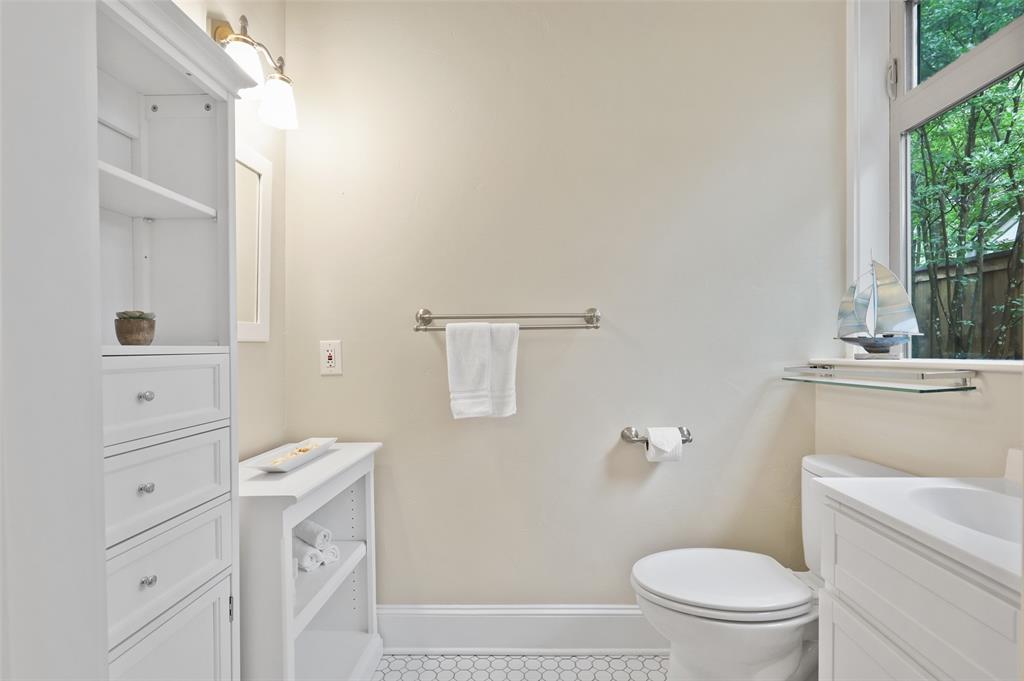 5838 Monticello  Avenue, Dallas, Texas 75206 - acquisto real estate best realtor dallas texas linda miller agent for cultural buyers