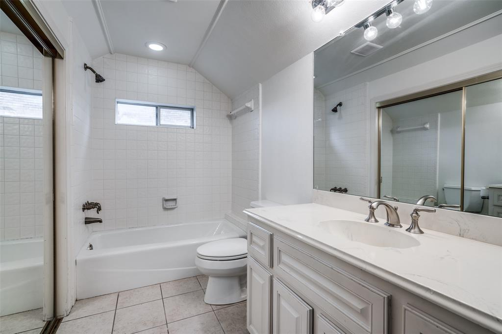 2209 Creekside  Circle, Irving, Texas 75063 - acquisto real estate best realtor westlake susan cancemi kind realtor of the year