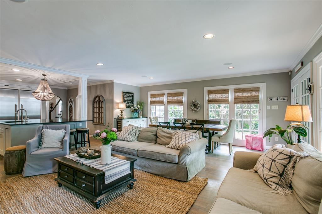 6738 Avalon  Avenue, Dallas, Texas 75214 - acquisto real estate best photos for luxury listings amy gasperini quick sale real estate