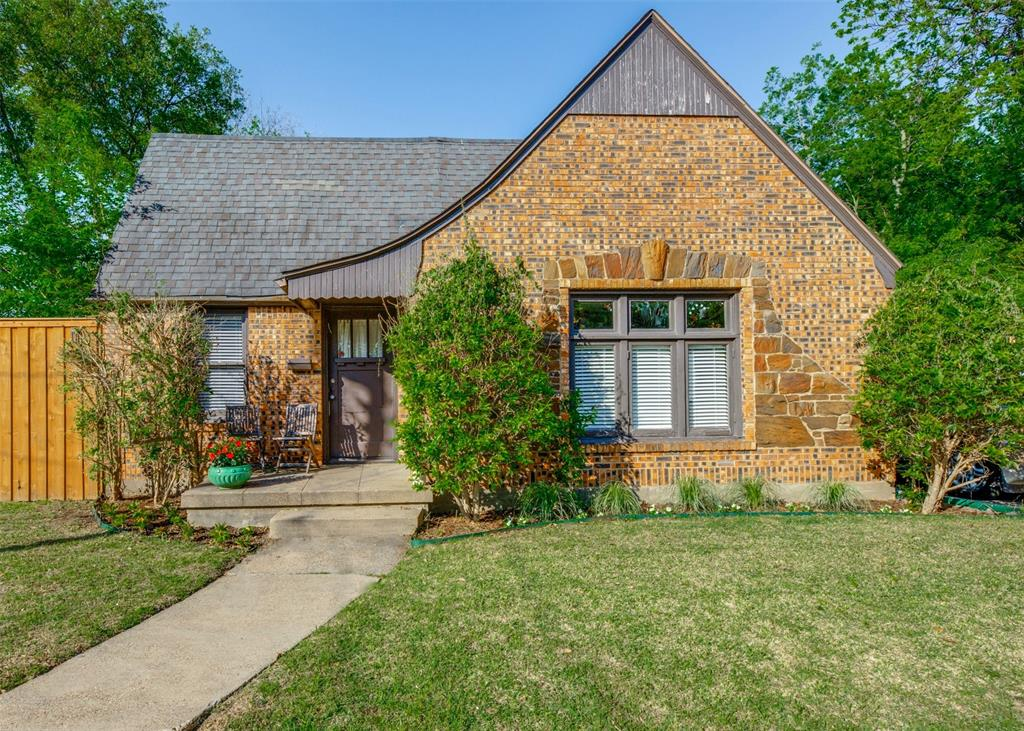2419 Grigsby  Avenue, Dallas, Texas 75204 - acquisto real estate best allen realtor kim miller hunters creek expert