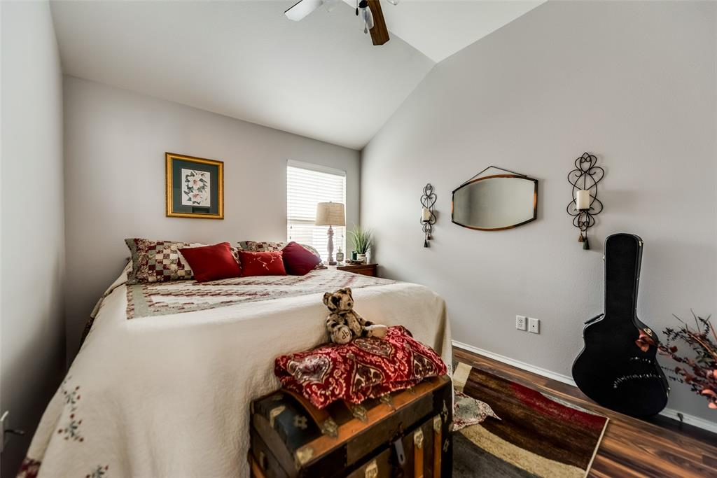 2612 Hilcroft  Avenue, Denton, Texas 76210 - acquisto real estate best negotiating realtor linda miller declutter realtor