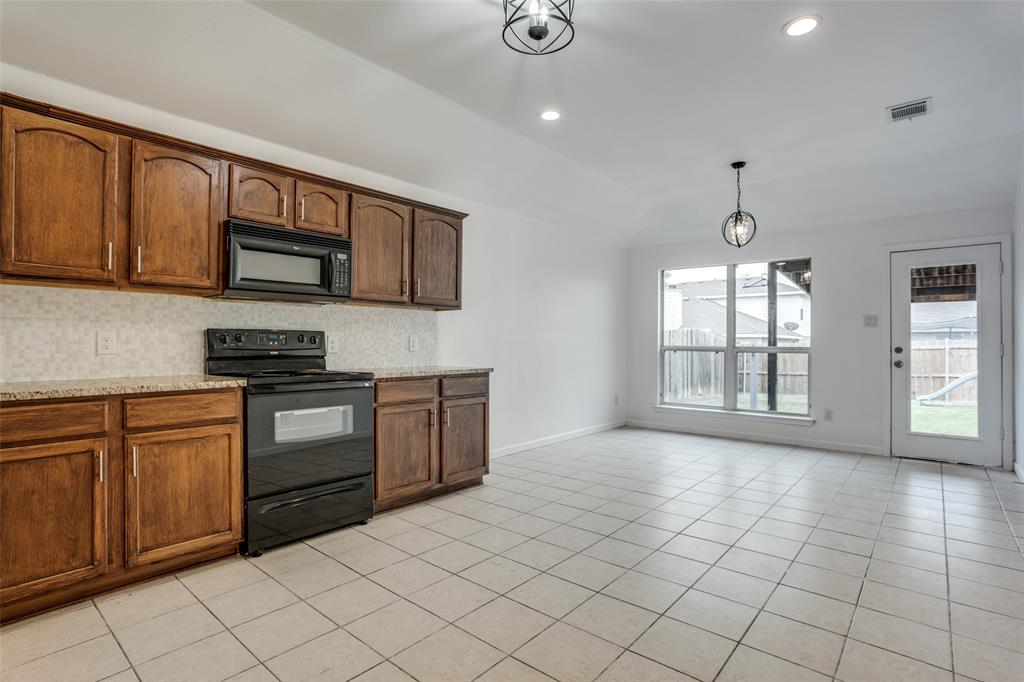 729 Mahogany  Anna, Texas 75409 - acquisto real estate best real estate company to work for