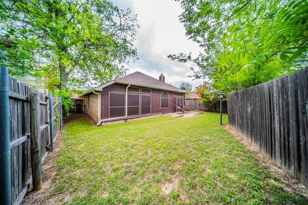 210 Chamblin  Drive, Cedar Hill, Texas 75104 - acquisto real estate best realtor foreclosure real estate mike shepeherd walnut grove realtor