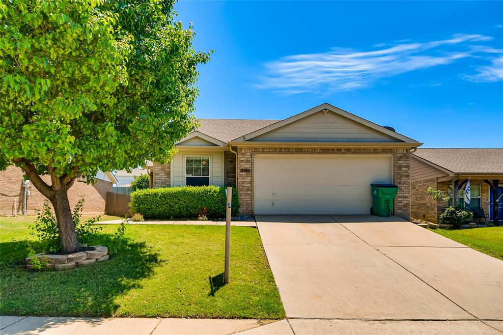 8904 Tumbleweed  Drive, Cross Roads, Texas 76227 - Acquisto Real Estate best plano realtor mike Shepherd home owners association expert