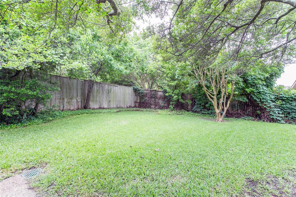 8046 Moss Meadows  Drive, Dallas, Texas 75231 - acquisto real estate best realtor foreclosure real estate mike shepeherd walnut grove realtor