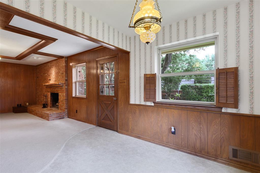9525 Brentgate  Drive, Dallas, Texas 75238 - acquisto real estate best luxury buyers agent in texas shana acquisto inheritance realtor