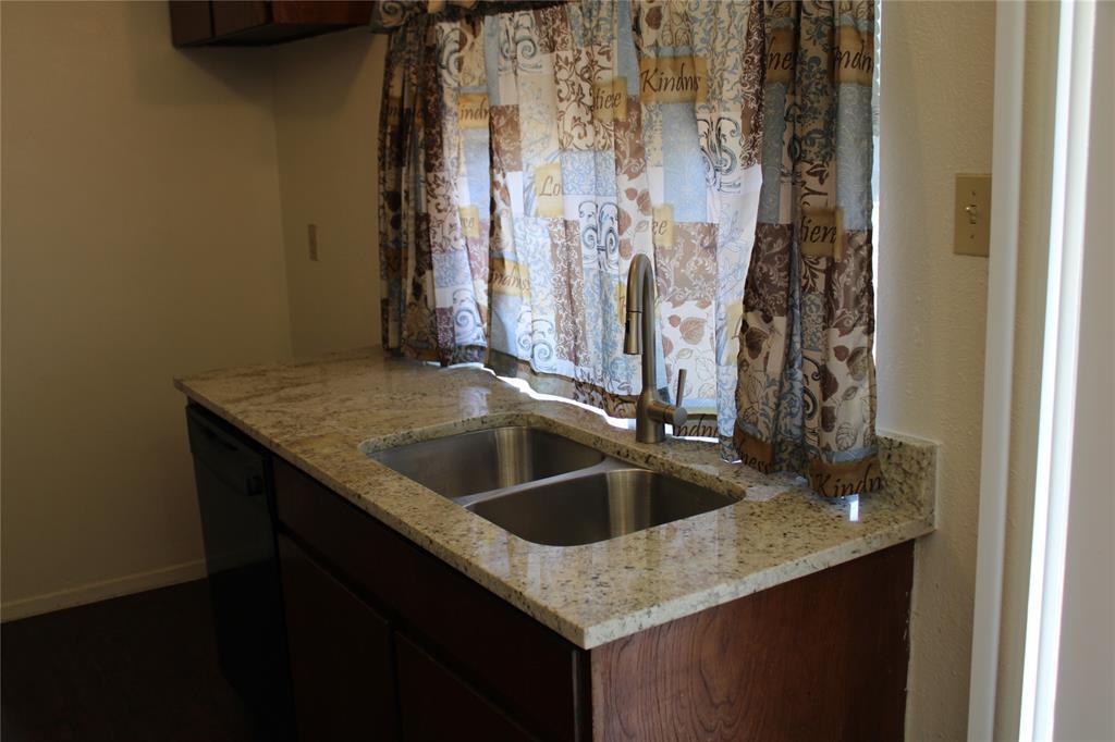 425 Hastings  Drive, Cedar Hill, Texas 75104 - acquisto real estate best celina realtor logan lawrence best dressed realtor