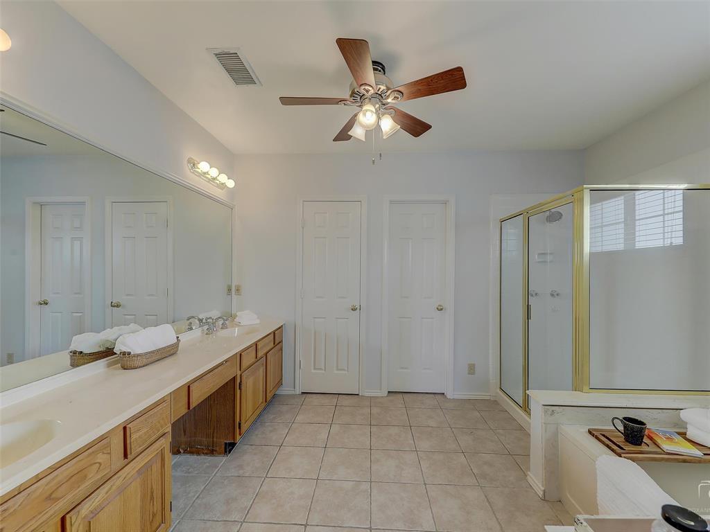 2121 Lansdown  Drive, Carrollton, Texas 75010 - acquisto real estate best realtor foreclosure real estate mike shepeherd walnut grove realtor