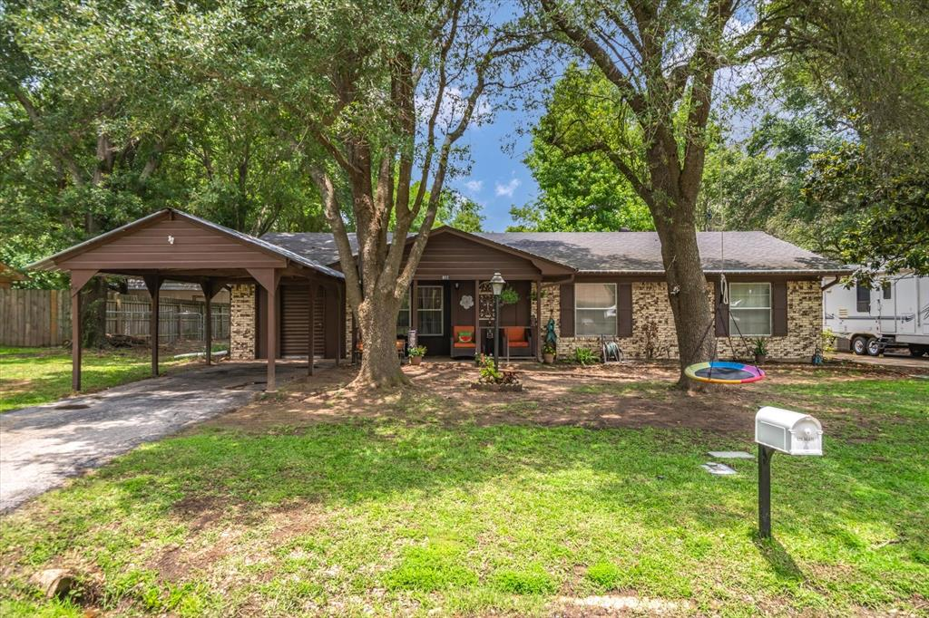 802 Lindy  Drive, Grand Saline, Texas 75140 - acquisto real estate best the colony realtor linda miller the bridges real estate