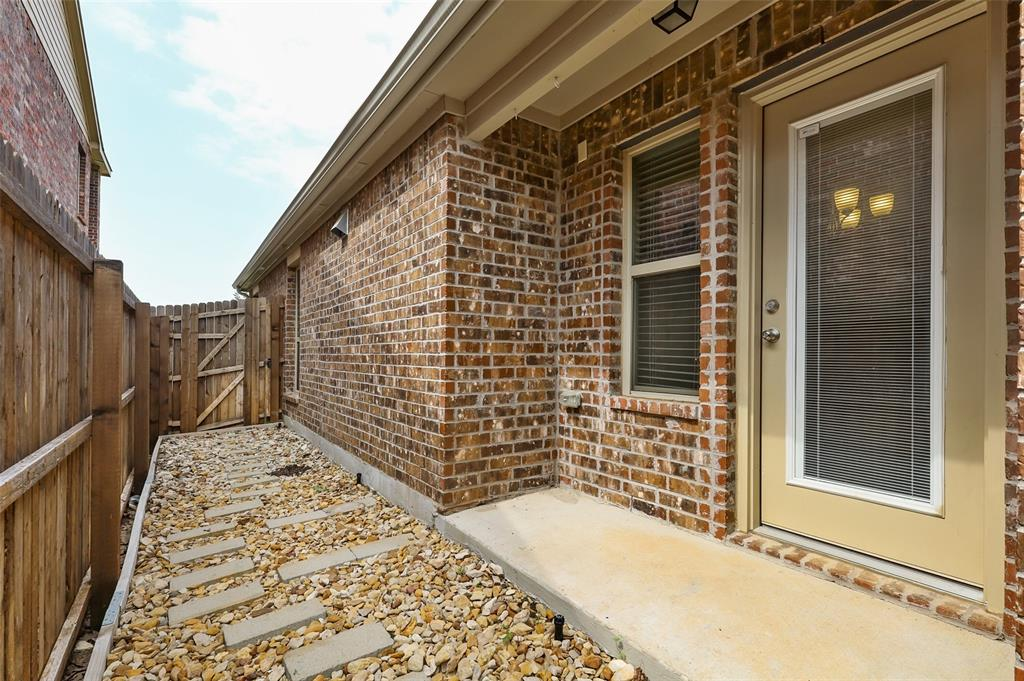 8801 Tenderfoot  Lane, Aubrey, Texas 76227 - acquisto real estate best realtor foreclosure real estate mike shepeherd walnut grove realtor