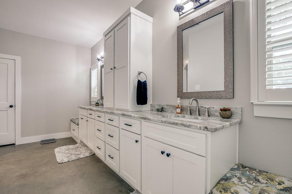 18128 Briarwood  Drive, Kemp, Texas 75143 - acquisto real estate best new home sales realtor linda miller executor real estate