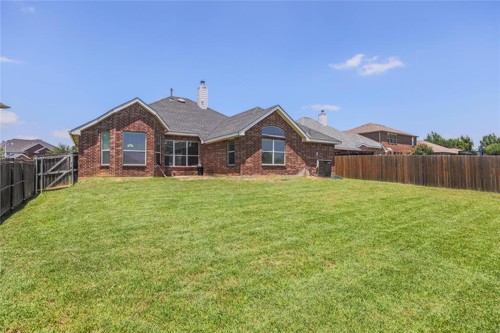 8104 Toltec  Court, Arlington, Texas 76002 - acquisto real estate best frisco real estate agent amy gasperini panther creek realtor
