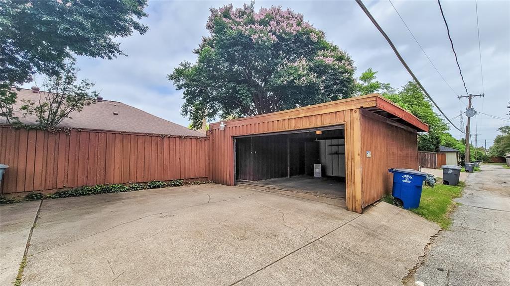 7724 Village Trail  Drive, Dallas, Texas 75254 - acquisto real estate best frisco real estate agent amy gasperini panther creek realtor