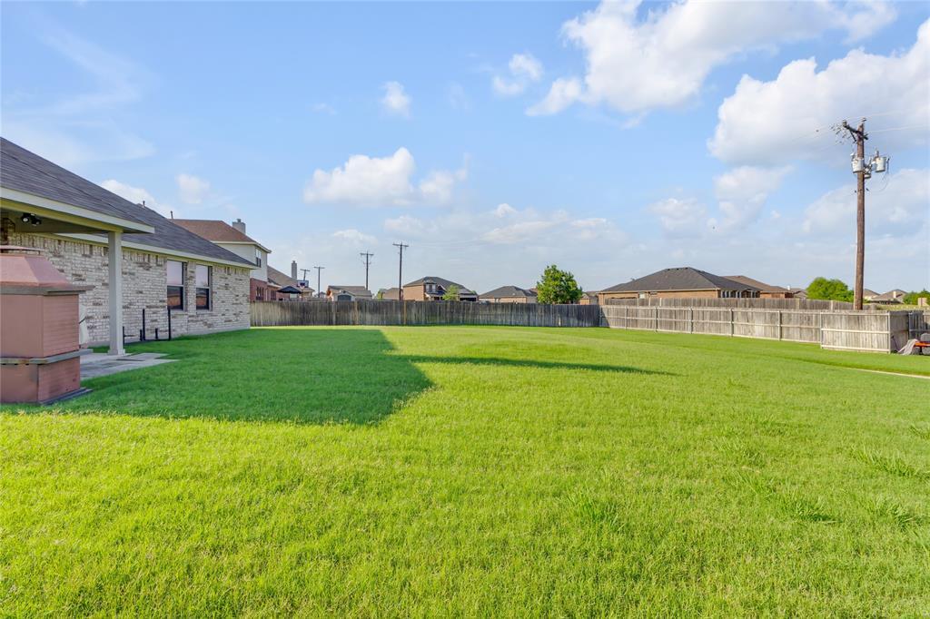 729 Sendero  Drive, Arlington, Texas 76002 - acquisto real estate best negotiating realtor linda miller declutter realtor