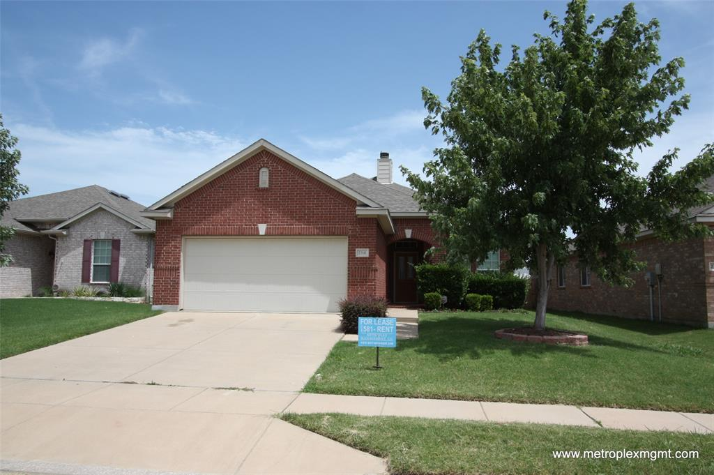 2341 Clairborne  Drive, Fort Worth, Texas 76177 - Acquisto Real Estate best plano realtor mike Shepherd home owners association expert