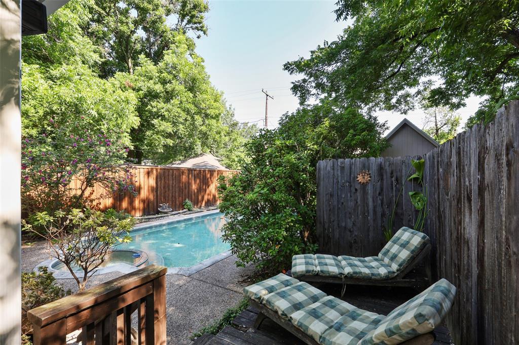 5935 Vanderbilt  Avenue, Dallas, Texas 75206 - acquisto real estate best realtor foreclosure real estate mike shepeherd walnut grove realtor