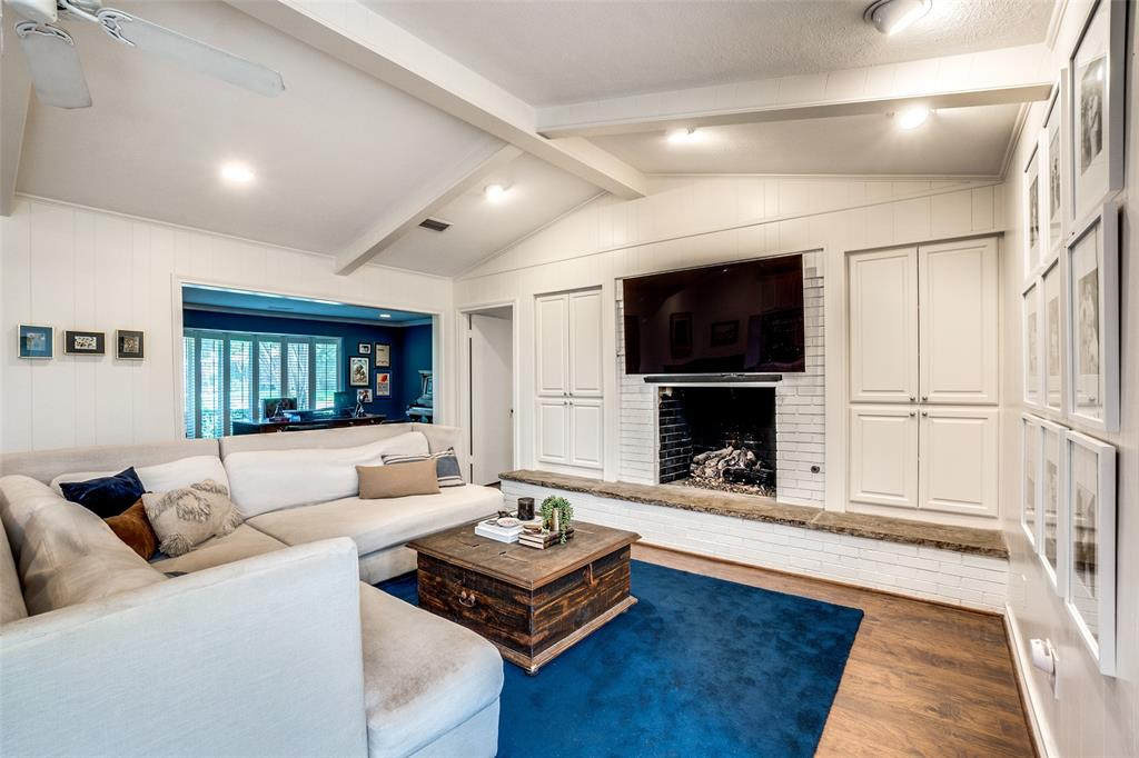4240 Glenaire  Drive, Dallas, Texas 75229 - acquisto real estate best luxury buyers agent in texas shana acquisto inheritance realtor