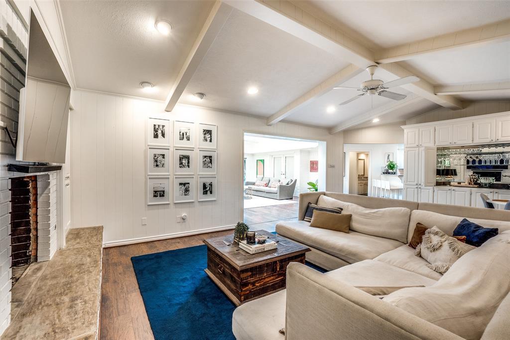 4240 Glenaire  Drive, Dallas, Texas 75229 - acquisto real estate best real estate company to work for