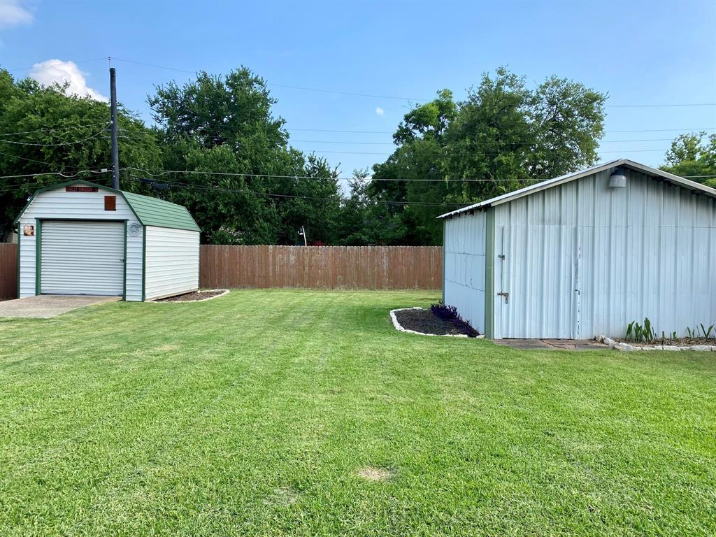 820 Lilac  Drive, Garland, Texas 75040 - acquisto real estate best negotiating realtor linda miller declutter realtor