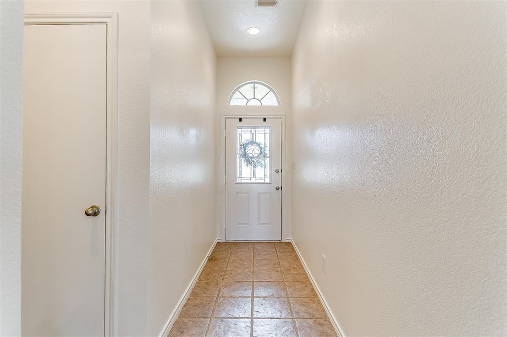 203 Seminole  Trail, Alvarado, Texas 76009 - acquisto real estate best prosper realtor susan cancemi windfarms realtor