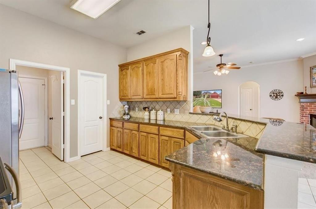 462 Spyglass  Drive, Willow Park, Texas 76008 - acquisto real estate best allen realtor kim miller hunters creek expert