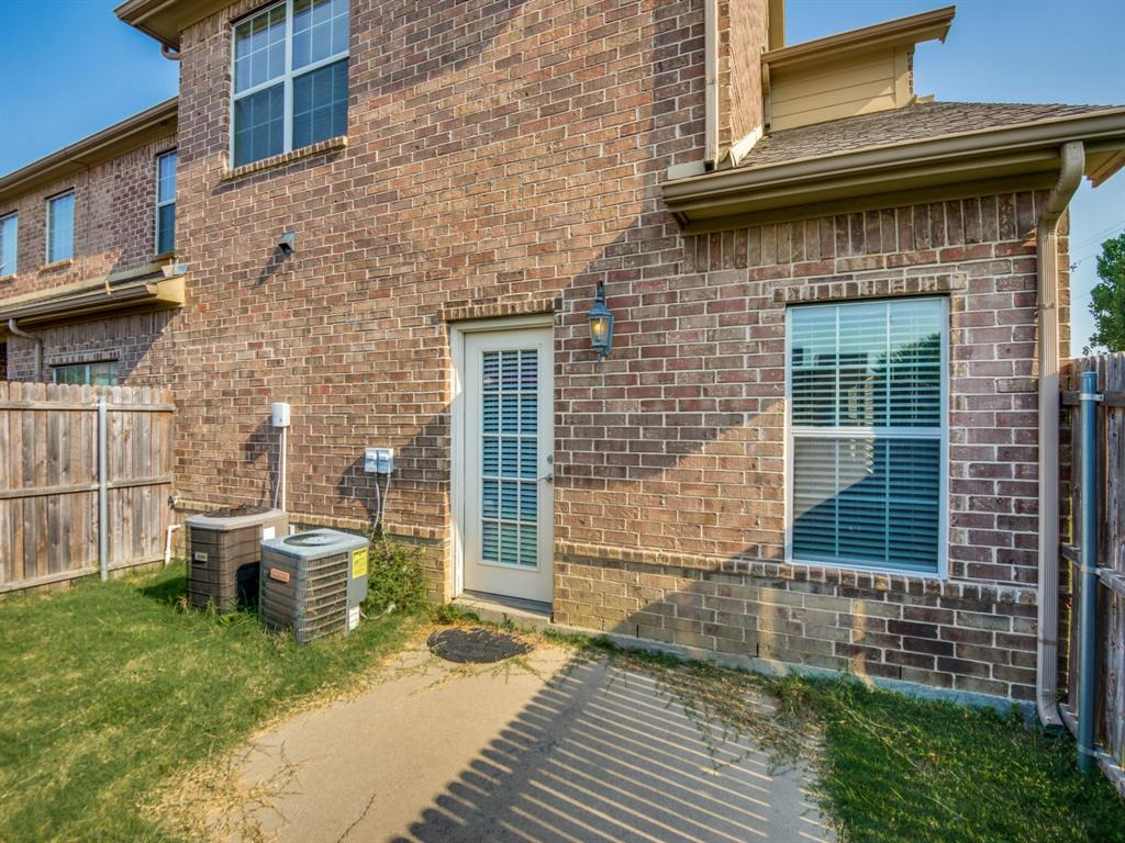 110 Barrington  Lane, Lewisville, Texas 75067 - acquisto real estate best frisco real estate agent amy gasperini panther creek realtor
