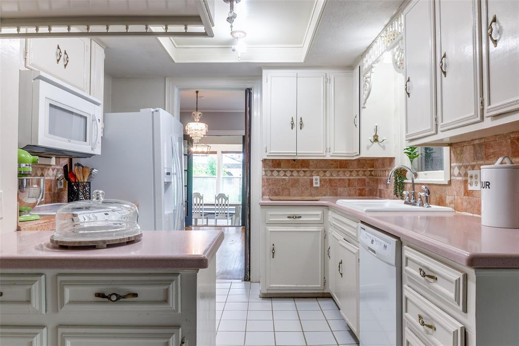 920 Avenue D  Garland, Texas 75040 - acquisto real estate best new home sales realtor linda miller executor real estate