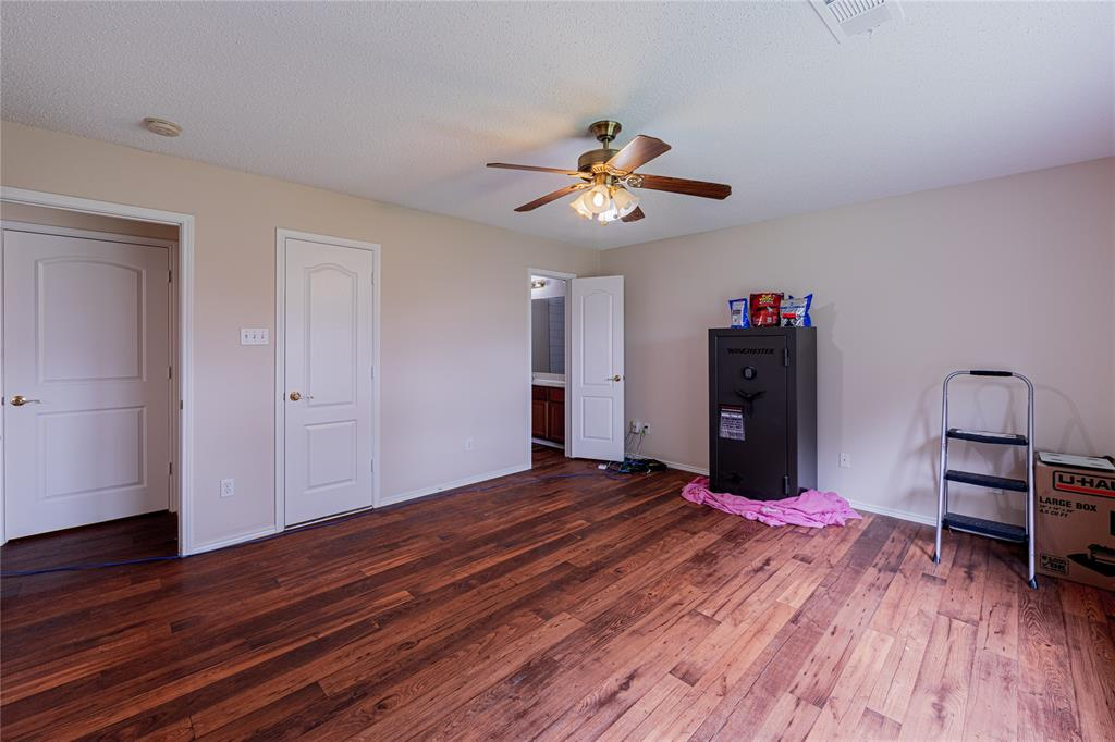 732 Oriole  Drive, Saginaw, Texas 76131 - acquisto real estate best celina realtor logan lawrence best dressed realtor