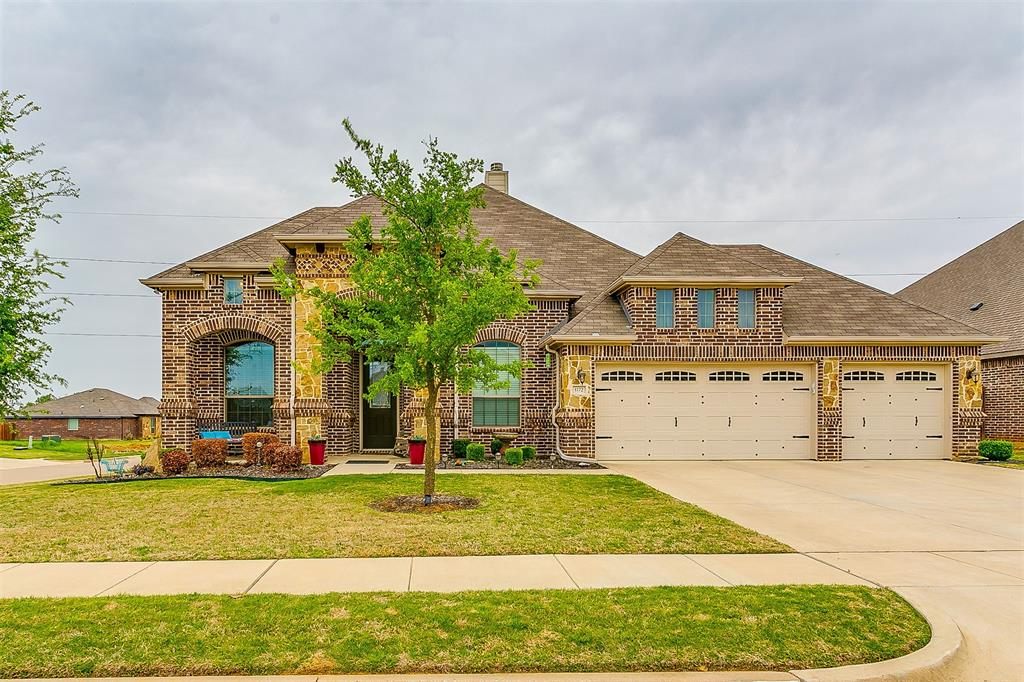 1172 Sapphire  Lane, Burleson, Texas 76058 - Acquisto Real Estate best plano realtor mike Shepherd home owners association expert
