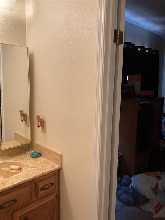 1707 Bunker Hill  Lane, Lewisville, Texas 75056 - acquisto real estate best relocation company in america katy mcgillen