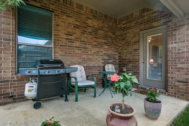 1826 Long Bow  Trail, Euless, Texas 76040 - acquisto real estate best highland park realtor amy gasperini fast real estate service