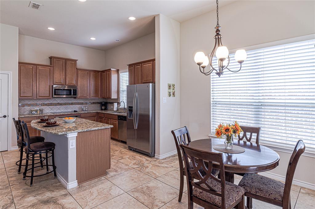 516 Caudle  Lane, Savannah, Texas 76227 - acquisto real estate best new home sales realtor linda miller executor real estate