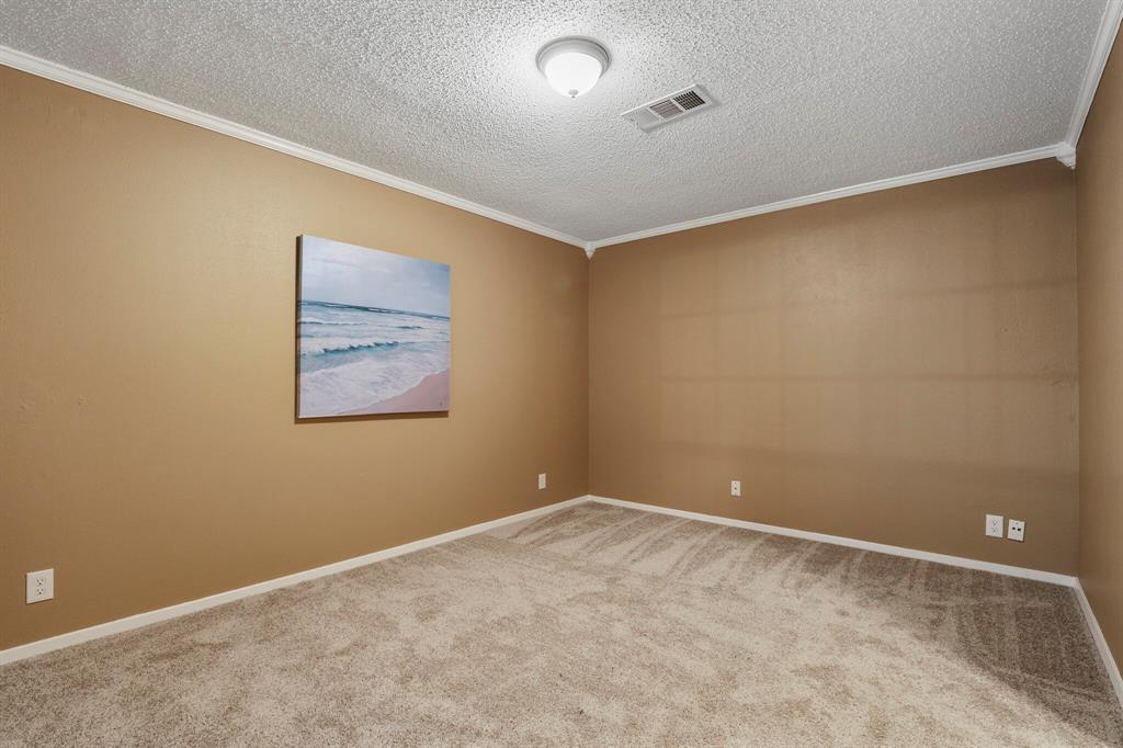 800 Prestwick  Street, Bedford, Texas 76022 - acquisto real estate best designer and realtor hannah ewing kind realtor