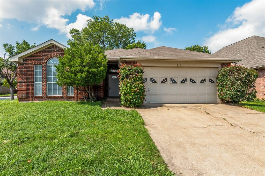 8701 Mystic  Trail, Fort Worth, Texas 76118 - Acquisto Real Estate best plano realtor mike Shepherd home owners association expert