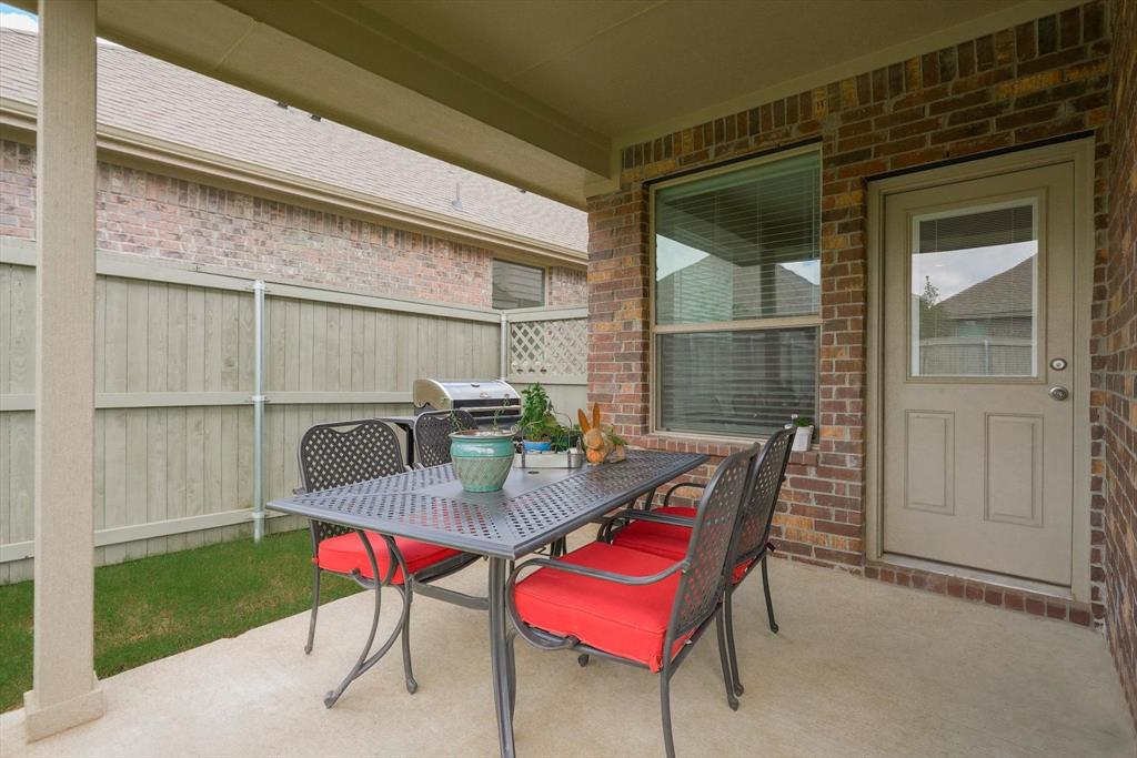 2420 Coyote  Way, Northlake, Texas 76247 - acquisto real estate best park cities realtor kim miller best staging agent