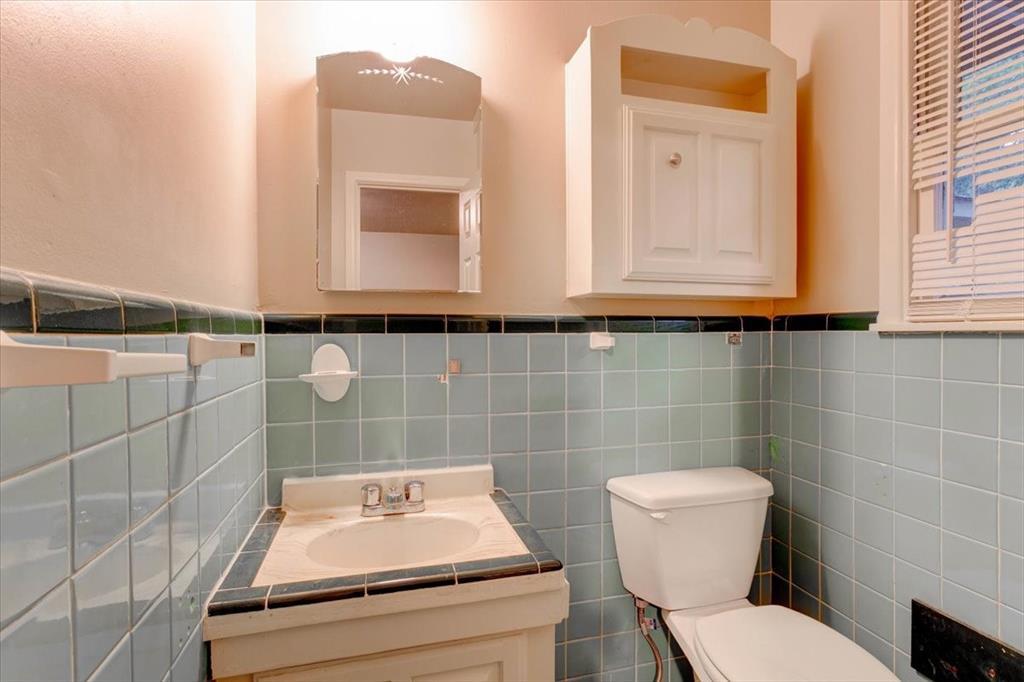 1508 Tulip  Drive, Arlington, Texas 76013 - acquisto real estate best listing listing agent in texas shana acquisto rich person realtor