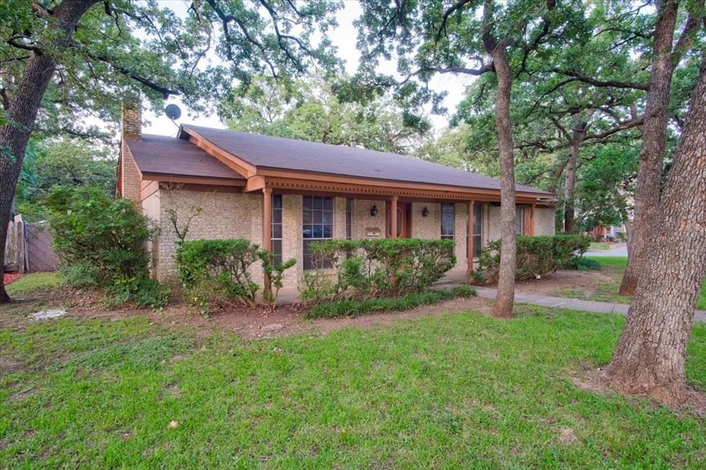 3600 Oak Haven  Drive, Forest Hill, Texas 76119 - Acquisto Real Estate best frisco realtor Amy Gasperini 1031 exchange expert