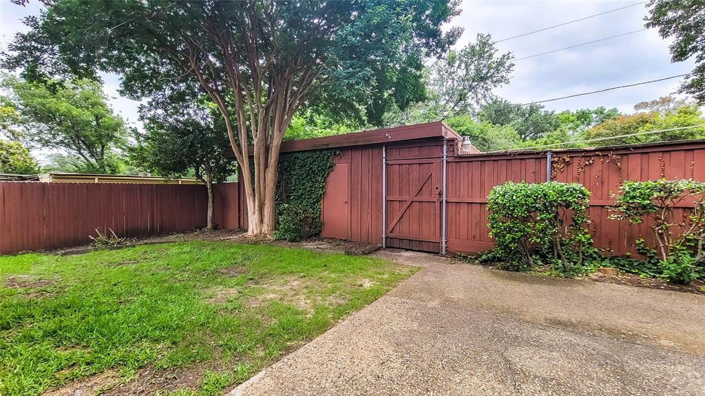 7724 Village Trail  Drive, Dallas, Texas 75254 - acquisto real estaet best boutique real estate firm in texas for high net worth sellers