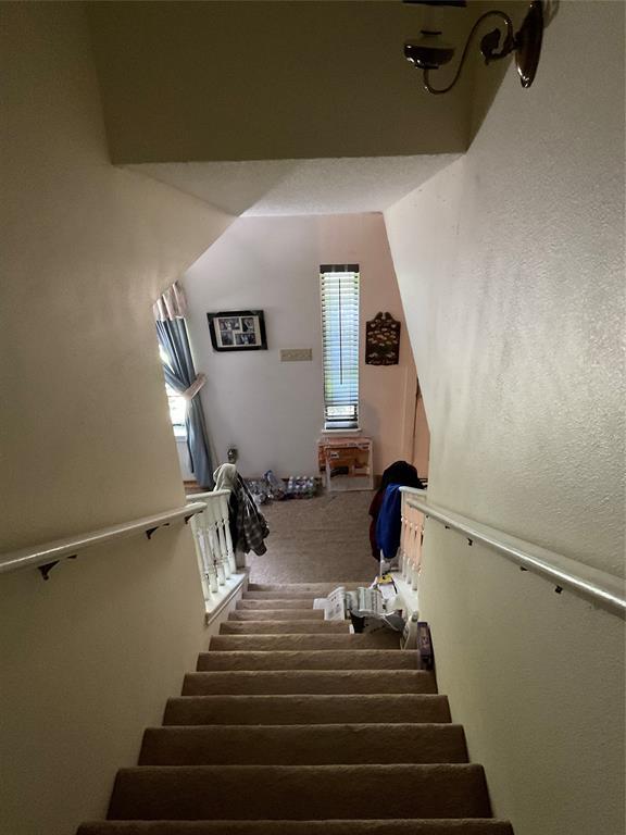 1707 Bunker Hill  Lane, Lewisville, Texas 75056 - acquisto real estate best negotiating realtor linda miller declutter realtor