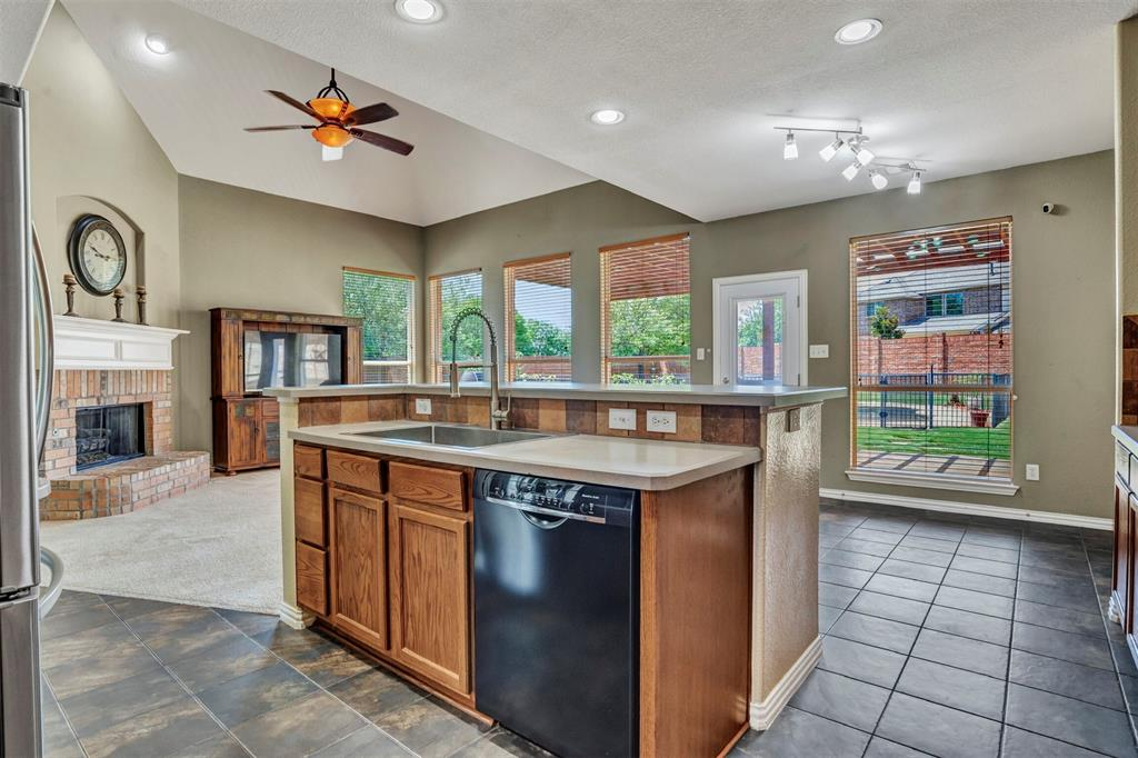 1601 Bryce Canyon  Lane, Allen, Texas 75002 - acquisto real estate best frisco real estate agent amy gasperini panther creek realtor