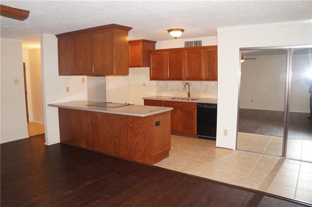 7404 Sandhurst  Lane, North Richland Hills, Texas 76182 - acquisto real estate best the colony realtor linda miller the bridges real estate
