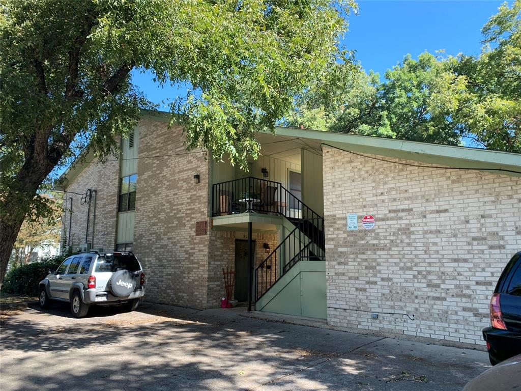 902 Austin  Street, Denton, Texas 76201 - Acquisto Real Estate best frisco realtor Amy Gasperini 1031 exchange expert