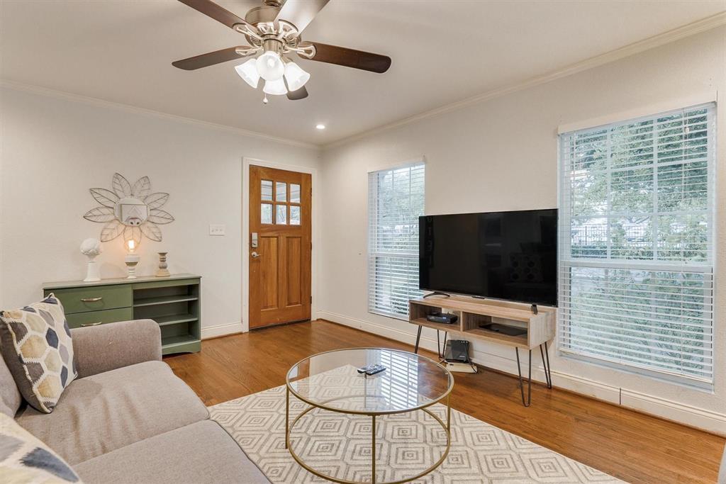 2423 Wentworth  Street, Dallas, Texas 75211 - acquisto real estate best prosper realtor susan cancemi windfarms realtor